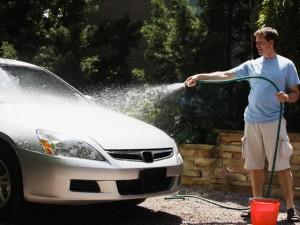 Aprende a lavar un auto en muy pocos pasos