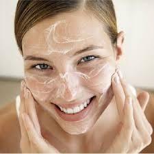 Exfoliación, limpieza y máscara hidratante será lo que nos ayude a combatir la piel grasosa