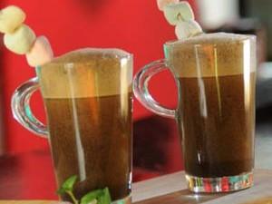 Hacer café batido a mano