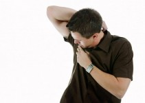 Prevení el mal olor de las axilas