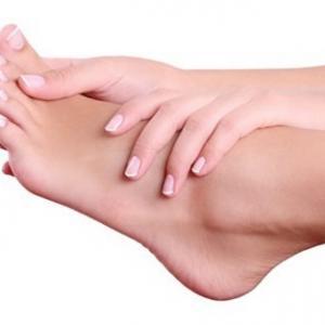 Eliminar hongos de los pies